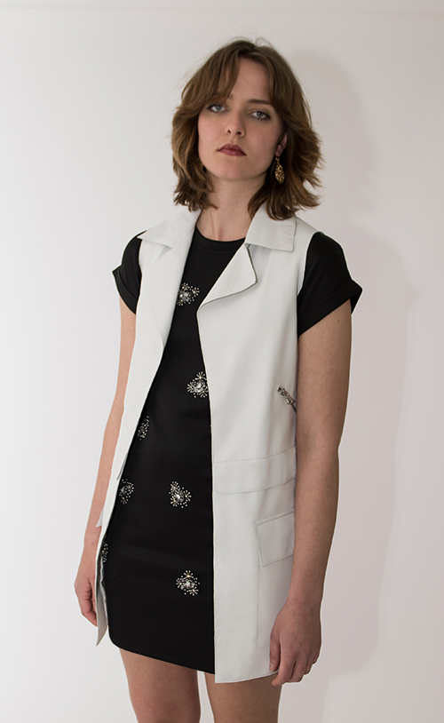 Y-7106 ESSEX Sleeveless coat